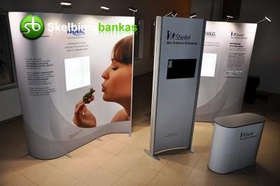 """ISOframe"" modernūs ekspoziciniai stendai, lanksti sistema, mobili, kompaktiška"